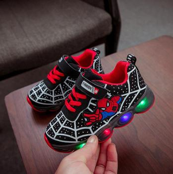 Dziecięce buty do biegania Baby Kids Shoes With Light Casual Oddychającym Non-slip Sport Tenis Infantil LED Spiderman Boys Baby buty do biegania
